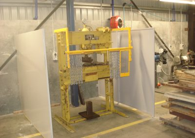 SafeInd Hanging Chain Press Guard